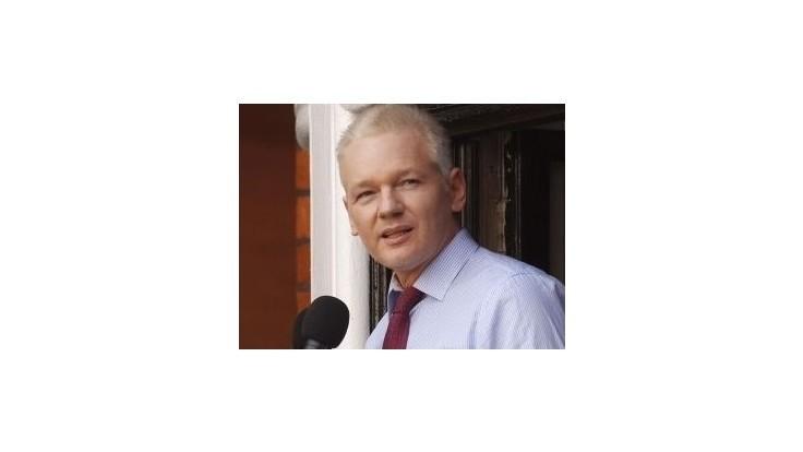 Roztrhnutý kondóm neobsahoval Assangeovu DNA