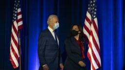 Historické a presvedčivé. Lídri gratulujú Bidenovi k víťazstvu