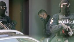Vo väzbe skončilo takmer celé bývalé policajné vedenie, čaká ich očistec