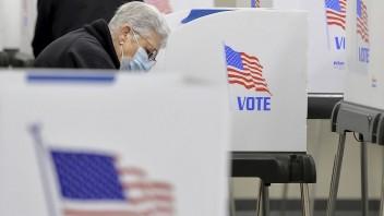 Americkí demokrati majú väčšinu v Snemovni, Senát neovládli