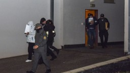 Obvinení z akcie Víchrica zostávajú vo väzbe, rozhodol súd