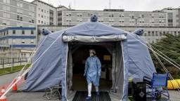 Talianske zdravotníctvo je pod tlakom, s chorými pomáhajú hotely
