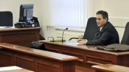Majského na Slovensko zatiaľ nevydajú, zostáva vo väzbe