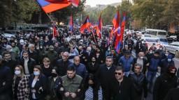 Dohoda poburuje arménskych civilistov, kvôli nej opúšťajú svoje domovy