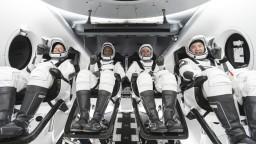 Crew Dragon hlási po 27 hodinách úspech, pripojila sa k ISS