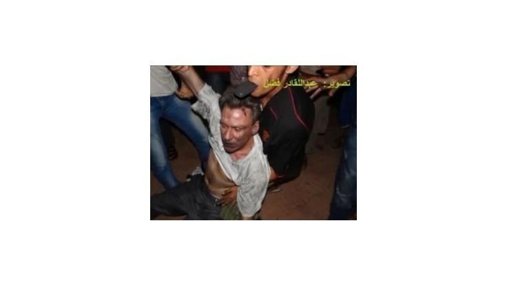 Líbyjčania po útoku na konzulát zachraňovali amerického veľvyslanca