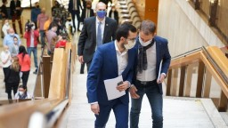 Rokovanie vlády aj o nákupe antigénových testov na Covid-19