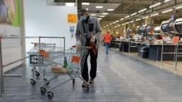 Vyhradené hodiny pre dôchodcov napriek kritike zostávajú platiť