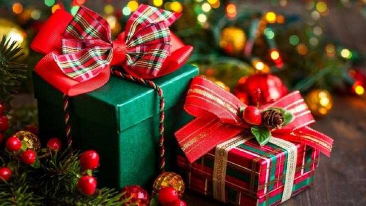 Vyberte si tento rok vianočné darčeky bezpečne, bez stresu a zhonu z pohodlia svojho domu