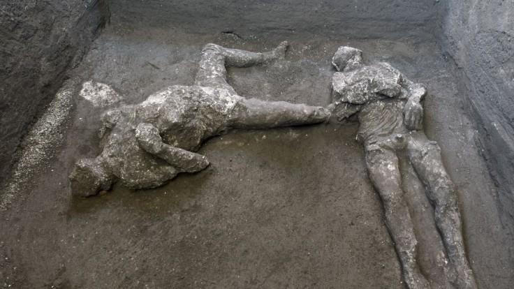 V legendárnych Pompejach našli zachované pozostatky pána a otroka