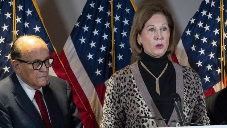 Kontroverzná žena opúšťa Trumpov tím, z neúspechu vinila aj Antifu