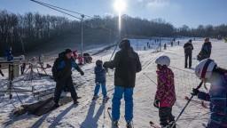 Premiér má pri lyžovačkách obavy. Strediská upozorňujú na dôsledky