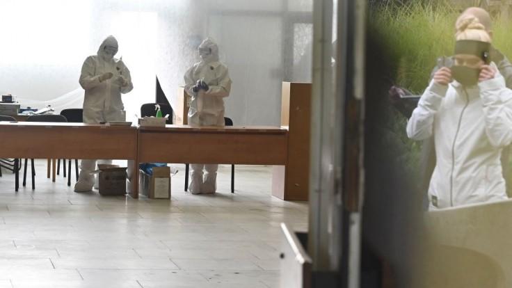 O slovenskom chaose pri boji s pandémiou píšu aj maďarské médiá
