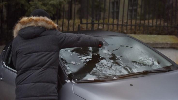 Vodičov môže ohroziť poľadovica, na cestách si treba dať pozor