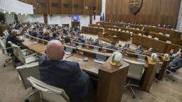 Poslanci odmietli správu špeciálneho prokurátora, ktorá hovorí o úsilí