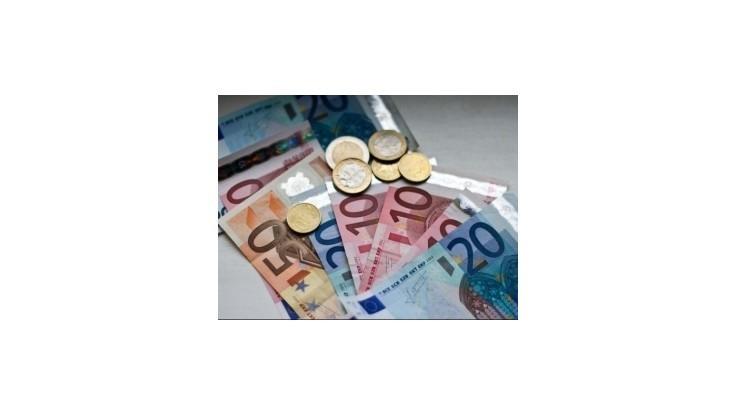 Prieskum podnikateľov zisťoval priemernú výšku úplatku