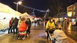 Vianočné trhy sú dilemou miest, niektoré chcú s rozhodnutím počkať