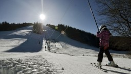 WHO varuje pred sezónou, samotné lyžovanie nie je problém
