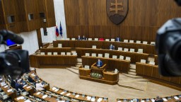 Mimoriadna schôdza o referende nebola, začnú zbierať podpisy