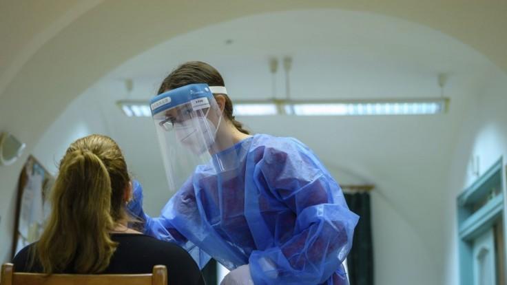Očkovať proti nákaze by mali v 25 slovenských nemocniciach