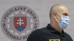 Zadržali exšéfa polície Lučanského, ktorý sa vrátil z dovolenky