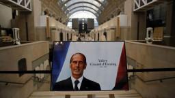 Exprezidenta Francúzska pochovali v prísnom súkromí. Prial si to tak