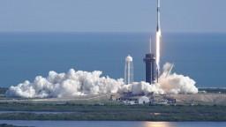 Raketa úspešne odštartovala k ISS, nesie vzorky i vianočné zásoby