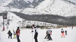 V niektorých strediskách sa lyžuje, o sezóne rozhodnú odborníci