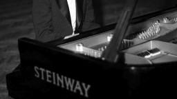 Zomrel český skladateľ, ktorého vyznamenali Zeman i Putin