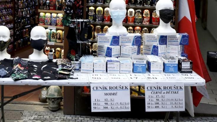 Z ČR hlásia najviac nakazených za dva týždne, obetí je vyše 9000