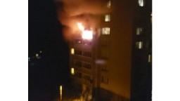 V Košiciach po požiari evakuovali bytovku, hlásia ranených