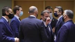 Lídri EÚ sa dohodli na sedemročnom rozpočte i pláne obnovy