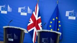Šance na dohodu Britov s EÚ miznú, zrejme sa rozídu bez dohody