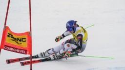 Vlhová vyhrala s náskokom úvodné kolo obrovského slalomu
