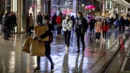 Nemecko sprísňuje opatrenia, pribudli desaťtisíce nakazených