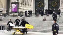 Panika po vianočnom koncerte. Ozbrojenec strieľal pred kostolom
