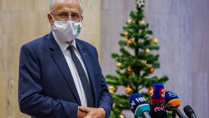 Minister Mičovský sa nakazil koronavírusom, je v karanténe