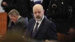 Pojednávanie odročili, Ruska vraj poliali neznámou látkou