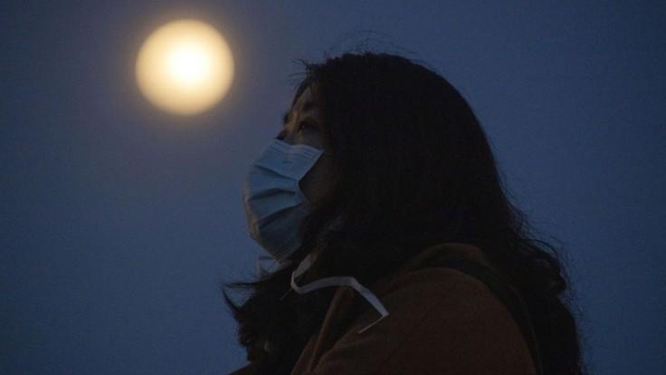 Vzorky z Mesiaca sú na Zemi. Čínska sonda sa úspešne vrátila
