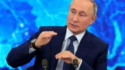 Putin sa nechá zaočkovať. Debata s národom je prvýkrát online