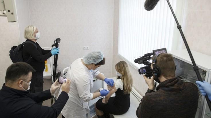 V Rusku sa nedarí plniť plán, väčšina ľudí odmieta očkovanie