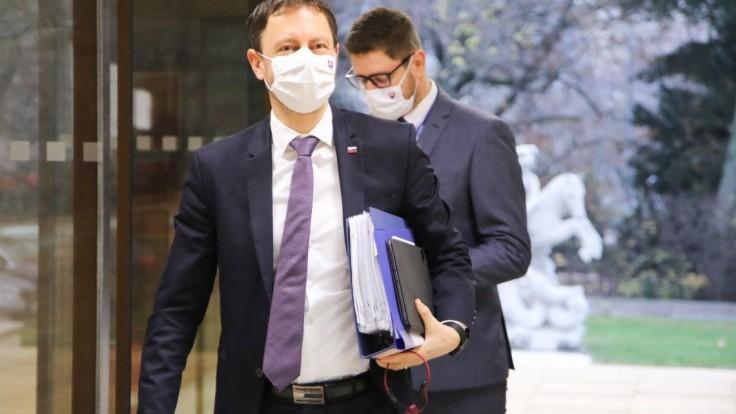 Pozitívny test mal ďalší člen vlády, sviatky strávi v karanténe