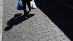 Do obchodov chodíme menej, no tržby maloobchodov vzrástli
