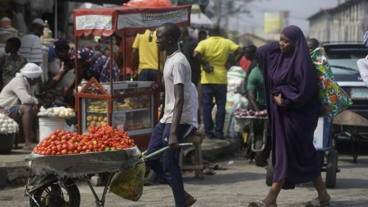 Nová mutácia koronavírusu sa zrejme šíri aj v Afrike. Je iná
