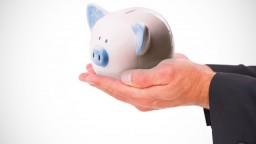 Sporiteľom hrozí znehodnotenie úspor, môžu za to zlé rozhodnutia