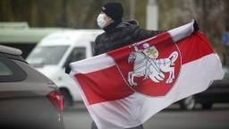 Protesty a zatýkania. Bielorusko poznamenala politická kríza