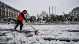 Miláno zažíva neobvyklé počasie, napadlo 20 centimetrov snehu