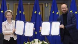 Podpísali dohodu medzi Britániou a EÚ, platiť bude od nového roka
