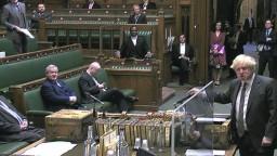 Johnson podpísal kľúčovú brexitovú dohodu, schválil ju i parlament
