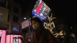 Wu-chan sa vrátil do normálu, ľudia oslavovali na námestiach